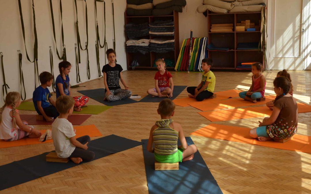 Дитяча йога